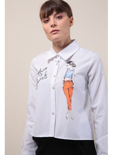 Reyon Baskılı Kısa Kadın Gömlek Beyaz Beyaz